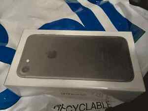 Brand New in sealed box iPhone 7 Black 32gb (BELL)