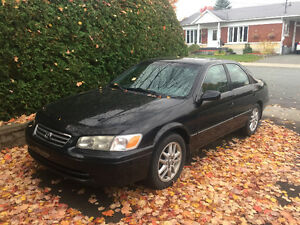 2001 Toyota Camry XLE V6 Cuir Berline