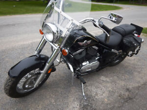 REDUCED  Kawasaki Vulcan 2005 V8 (800cc) 13500 kms