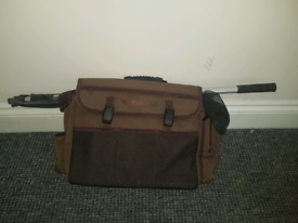Wychwood carp holdall and landing net nd unhooking mat