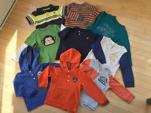 Carter's Oshkosh Boy's tees and sweater Size 3t