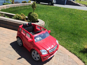 Mercedes kids car gently used