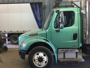 St Truck Chassis : Freightliner $7,800 OBO