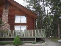Fantastic 900sqft Chalet on Beautiful Roche Lake!