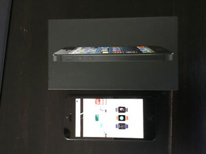 iPhone 5 black 16gb *mint* 10 out of 10 condition Telus