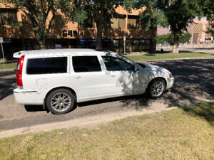 2005 Volvo V70 turbo charged Wagon