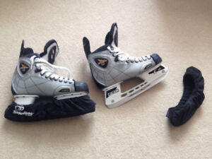 CCM Vector Skates - Men's Size 8