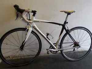Giant Road Bike for sale. We sell used goods. 112448