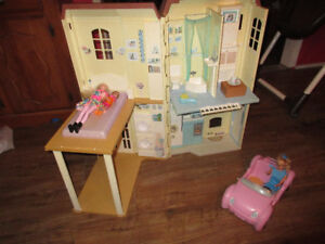 barbie town house and car