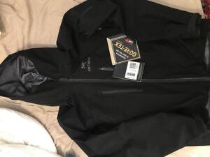 Mens Arcteryx Alpha SV Jacket (Size S)
