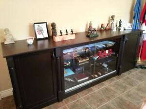 FINE HAND CRAFTED WOOD AND GLASS DISPLAY CABINET FOR SALE.