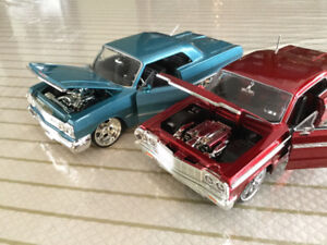 FOR SALE:   PAIR OF BOWTIE CLASSICS - 1:24 scale - DIECASTS