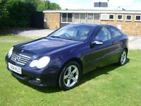 Mercedes-Benz C180 Kompressor 1.8 auto SE NINE SERVICE STAMPS PANORAMIC ROOF