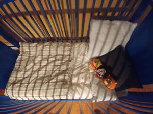 7 bassinettes bleues IKEA à vendre