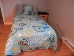 douillettes lit simple pour enfant en bonne condition a bon prix