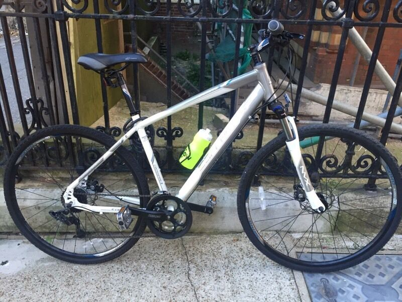 Carrera Crossfire 3 Mens Hybrid Bike | in Hove, East Sussex