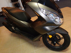 2015 150cc gas scooter 800 kms.     recycledgear.ca Kawartha Lakes Peterborough Area image 8