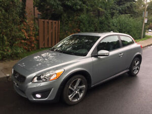 Volvo C30 2013 - LOW MILEAGE and in GREAT condition!!