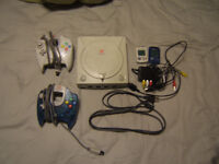 Sega Dreamcast With 2 Controllers 120$