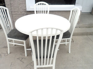 Dining Set 4 chairs & Round Table