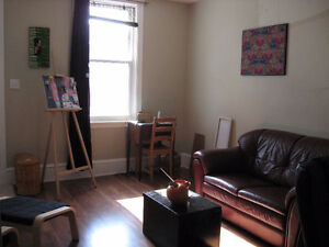 Like a little house this beautiful one bedroom apartment is reno