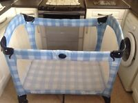 Gracco travel cot
