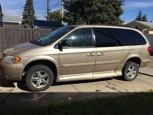 2007 dodge caravan wheelchair van