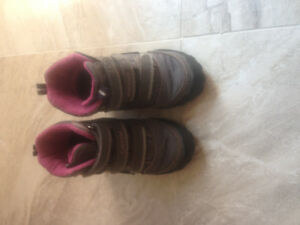 Girl boots size 5.5