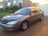 FORD 02 TAURUS SUPER CLEAN 1400$ NEGO