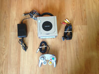Platinum Nintendo Gamecube w/ 1 Controller and 2 Games