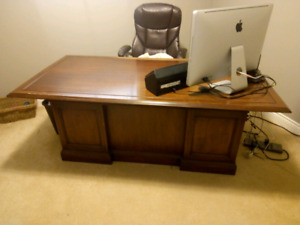 Grand 6-Foot Oak Desk