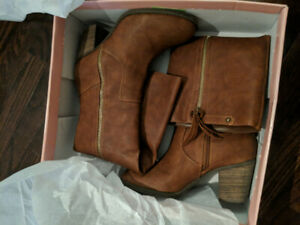 Brand New (Not Worn) DSW Crown Vintage Cognac Long Heeled Boots