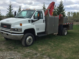 "REDUCED""DURAMAX DIESEL"" 2006 GMC C5500 PICKER SERVICE $34,900"