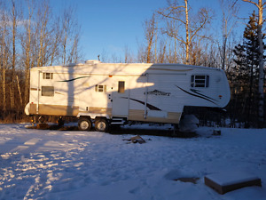2006 Golfstream Conquest 5th wheel (model- 28FWBH)