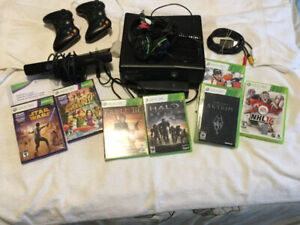 Xbox 360 game system with Kinect system