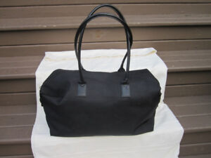 HUGO BOSS Black Duffle Travel Handbag Weekender