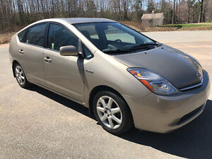 2009 Toyota Prius Touring Hybrid 80,000kms Loaded!