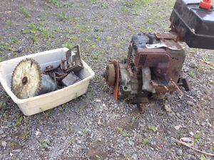 10 hp Tecumseh with clutch and sprocket