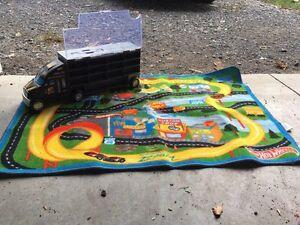 Hot wheels carpet and car storage Kingston Kingston Area image 3