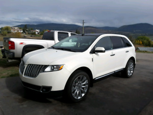 2012 LINCOLN MKX.  Fully Loaded, Luxury SUV