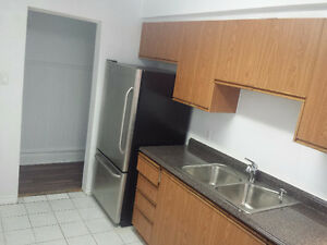 Upgraded 2-Bdrm-Apt-Downtown-Toronto-$1590 - Immed / March 1st
