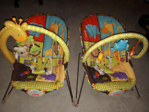 2 bouncy chairs/seats