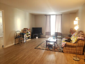**LEASE TAKEOVER** 2 Bedroom, 1 Bathroom, 1st Floor Apartment in
