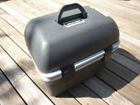 Cool Box - 12v – Halfords – 18L