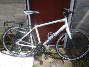 "Women's  "" Cannondale  Quick""  Bicycle"