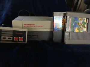 Nintendo- NES system, cables and controller + Games