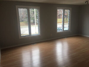 $1450 Incl -3  Bedroom Apartment – Large Outdoor Space