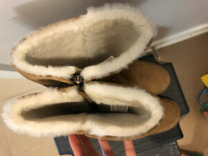 UGG women's boots size 6.5. Almost new!
