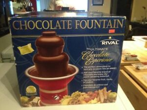 Rival CFF5 Chocolate Fondue Fountain NEW IN BOX  $90