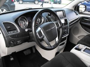2012 TOWN & COUNTRY  LOADED  PENTASTAR V6   READY TO TRAVEL... Windsor Region Ontario image 18